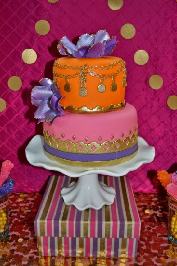 gold-moroccan-teen-birthday-party-cake-gold