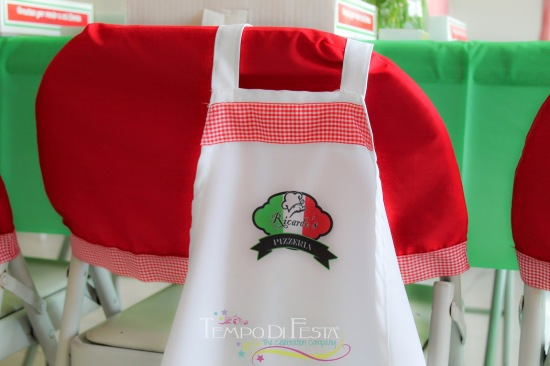 pizza-birthday-party-ideas-chef-hats-aprons