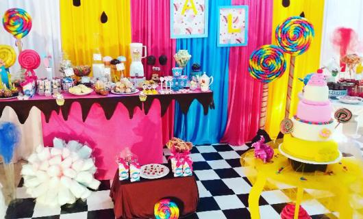 lollipop-candy-birthday-party-backdrop-and-decorations