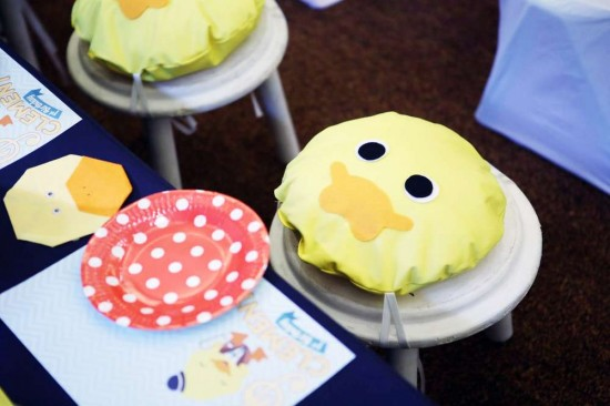 Singing-And-Dancing-With-Ducks-Birthday-Ducky-Seat