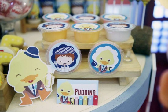 Singing-And-Dancing-With-Ducks-Birthday-Pudding