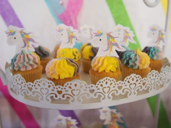 Rainbow-Unicorn-Birthday-Party-Cupcakes