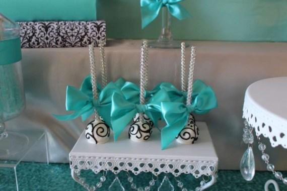 Sweet-Sixteen-Paris-Style-Birthday-Cakepops