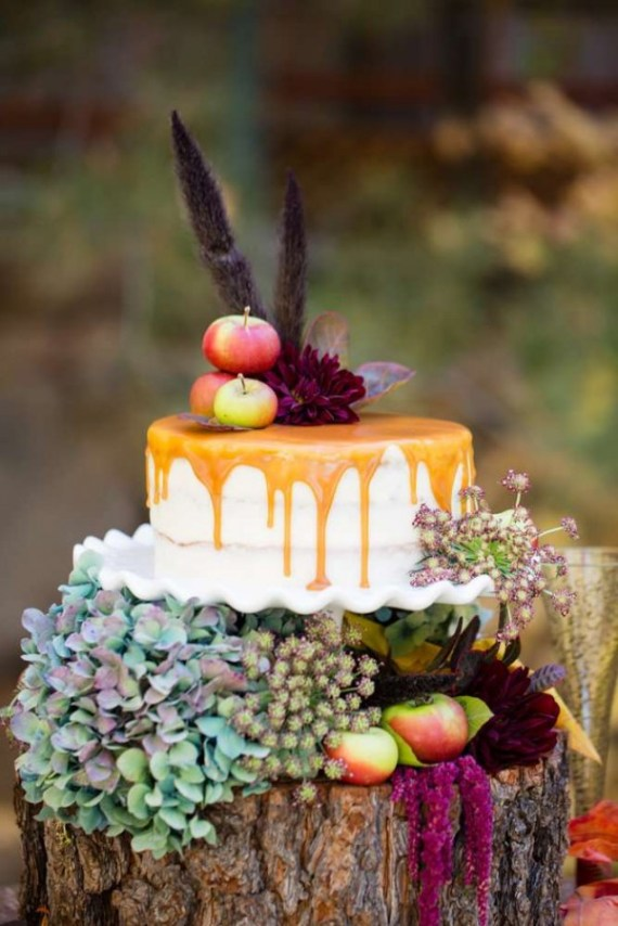 Colorful-Autumn-Outdoor-Party-Dessert-Layout