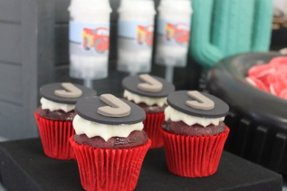 Cars-Desert-Inspired-Birthday-Party-Cupcakes