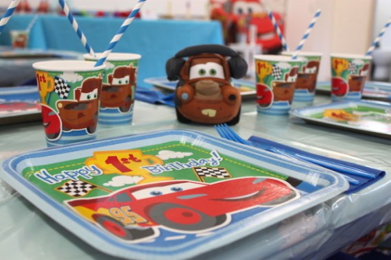 Cars-Desert-Inspired-Birthday-Party-Paper-Plates