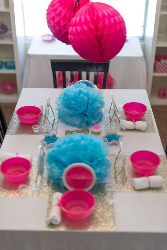 Glittering-Spa-Birthday-Party-Guest-Seating