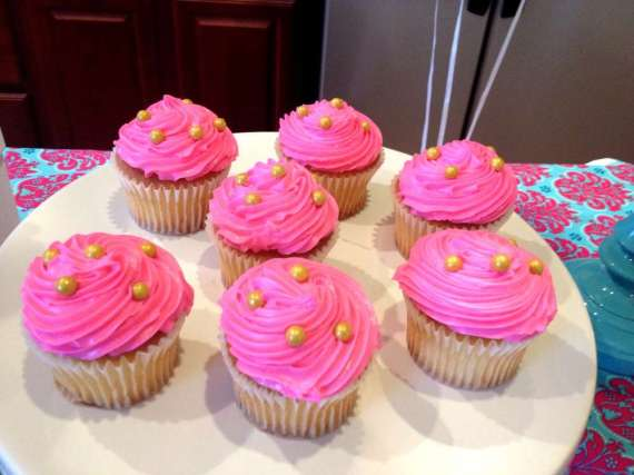 Glittering-Spa-Birthday-Party-Pink-Cupcakes