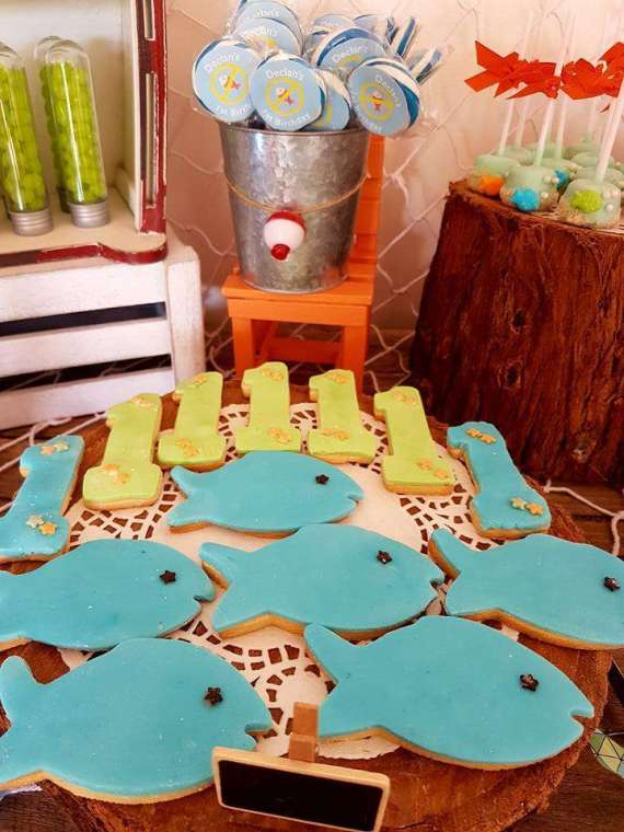 Bait-Shop-Birthday-Table-Sugar-Cookies