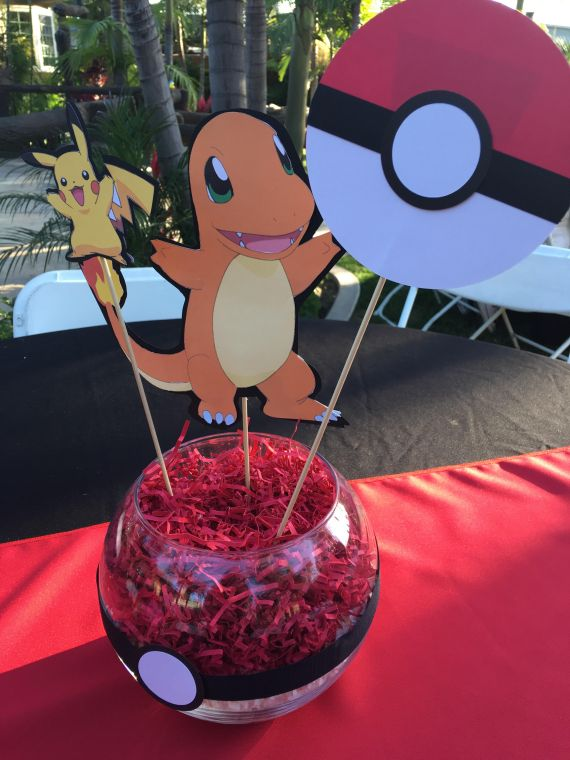 Classic-Pokemon-Go-Birthday-Pokeball-Centerpiece