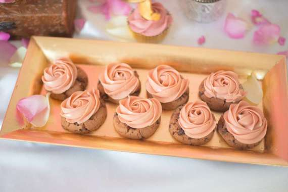 Classic-Sleeping-Beauty-Birthday-Party-Rose-Cookies