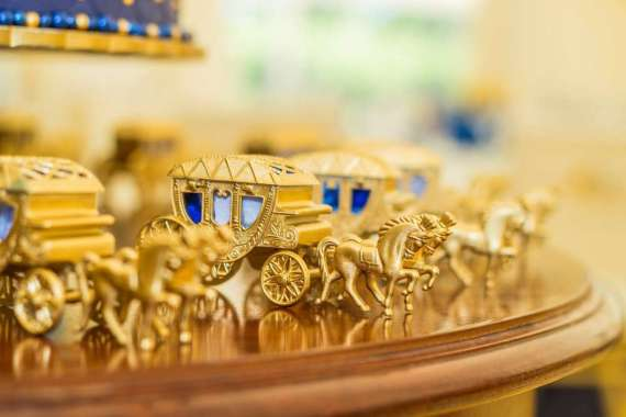 Blue-And-Yellow-Royal-Prince-Birthday-Carriage