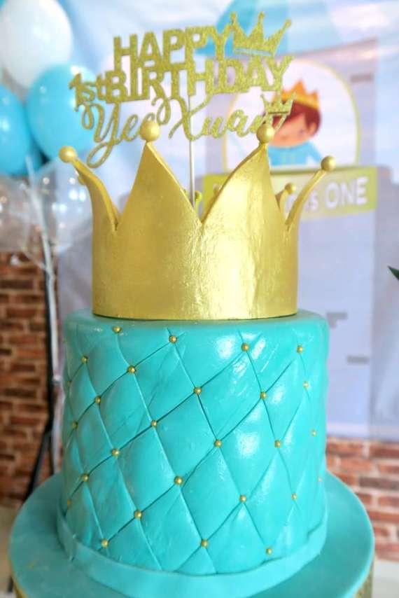 Royal-Tiffany-Inspired-Blue-And-Gold-Birthday-Cake