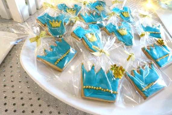 Royal-Tiffany-Inspired-Blue-And-Gold-Birthday-Sugar-Cookies