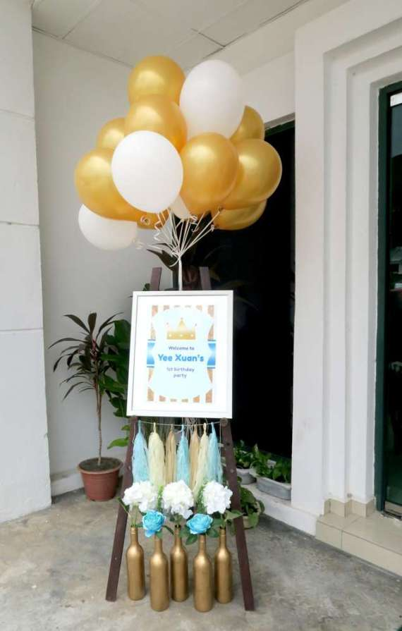 Royal-Tiffany-Inspired-Blue-And-Gold-Birthday-Welcome-Sign