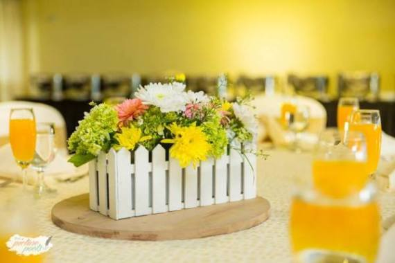 Whimsical-You-Are-My-Sunshine-Birthday-Guest-Seating