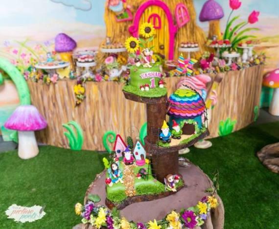 Magical-Fairy-Garden-Oasis-Birthday-Dessert-Tables