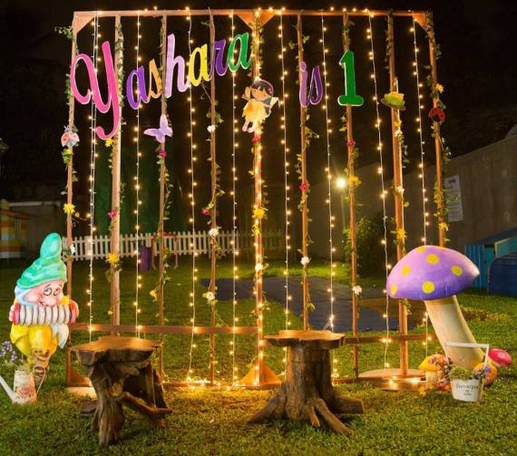 Magical-Fairy-Garden-Oasis-Birthday-Photo-Station