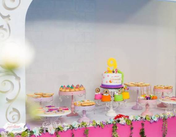 Modern-Lego-Friends-Birthday-Dessert-Table