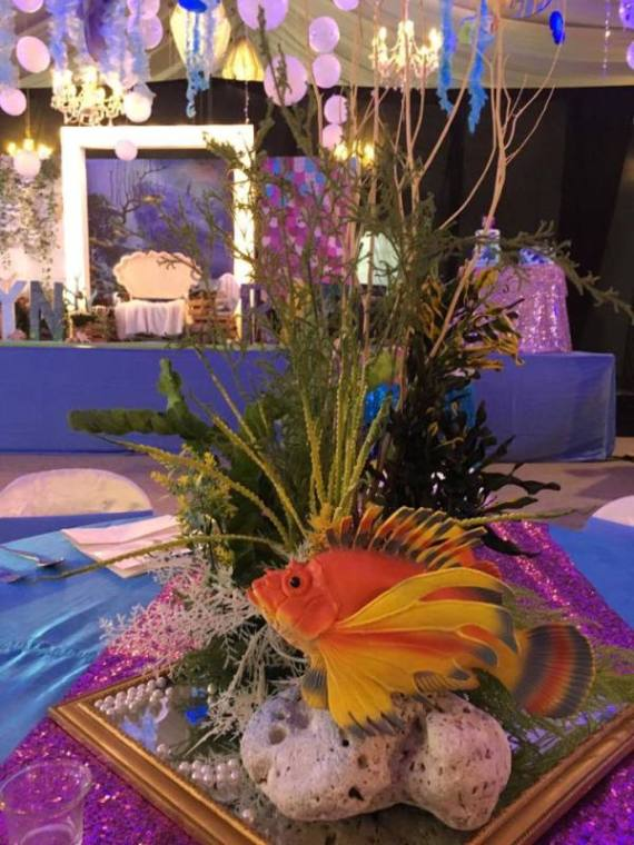 Tropical-Under-The-Sea-Adventure-Party-Fish-Decorations