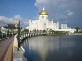 Omar_Ali_Saifuddin_Mosque-Brunei_famous-world-Islamic-mosque-HD-picture-wallpapers