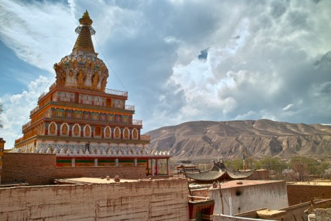 Bunte Stupa.