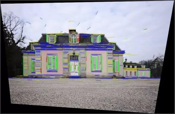 Perspektive bei Haus korrigiert (Quelle: darktable.org)