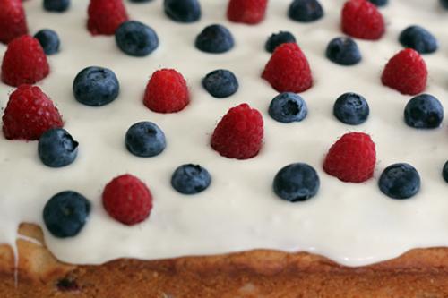 berry yogurt cake 6