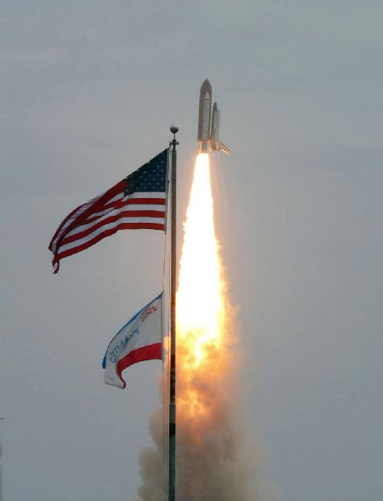 STS135 liftoff