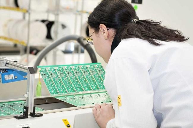 Un angajat brașovean din sectorul industrial a produs în medie de 66.500 de euro anul trecut