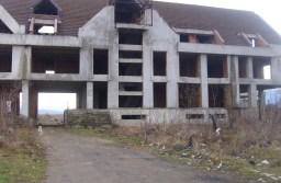 Statul vrea să transforme fabricile abandonate din Făgăraş, Codlea, Râşnov, Zărneşti, Predeal și Săcele în locuințe pentru tineri