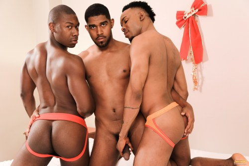 jockstrap-ass-threeway-gay-sex