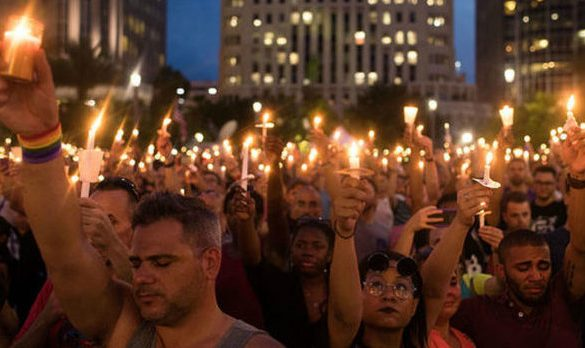 10000 people at Orlando vigil_1465883313426_40218320_ver1.0_640_480