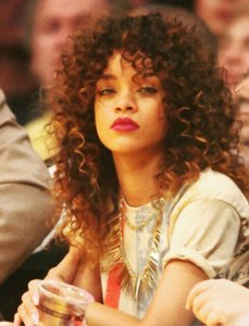 Rihanna's big sexy curls