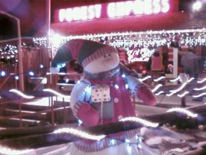 Frosty, you look so warm. Don't melt!