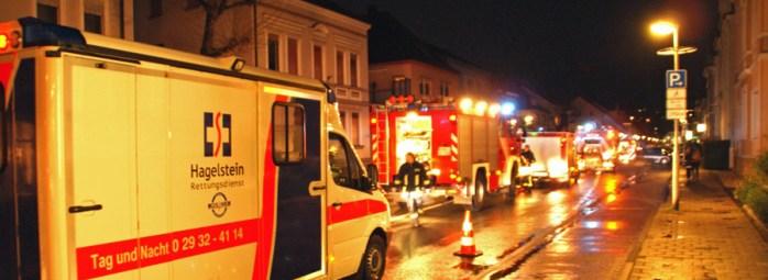 Großeinsatz bei einem kellerbrand auf der Clemens-August-Straße. (Foto: Feuerwehr)