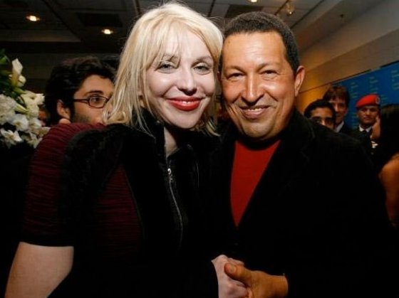Courtney Love y Hugo Cháve, en el estreno de South of the Border