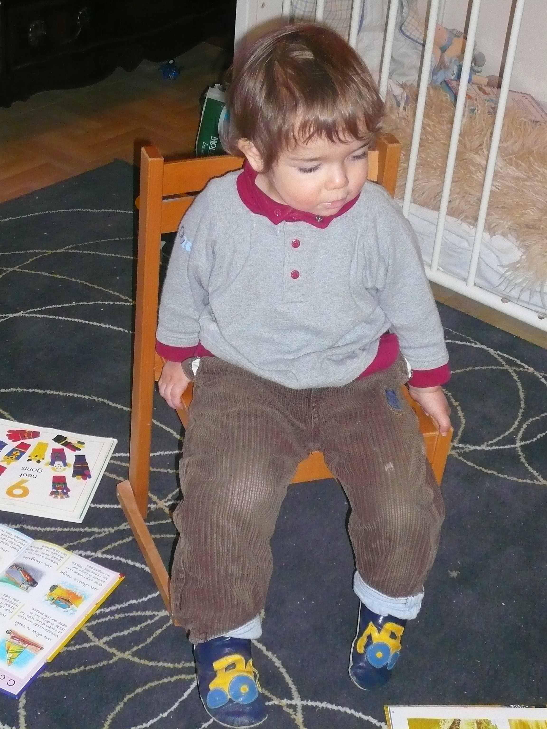 Changer l environnement blog b b montessori - Chaise berceuse pour bebe ...