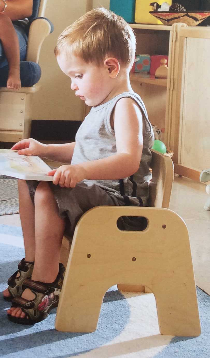 D veloppement moteur blog b b montessori for Chaise montessori