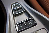 2013 Ferrari California roof and window controls