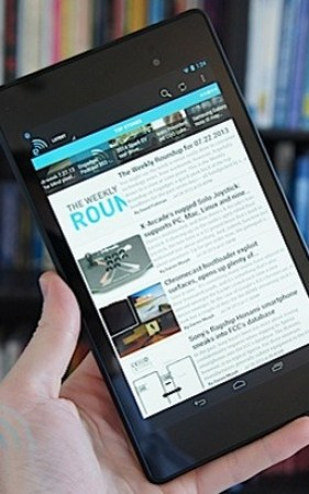 Engadget Giveaway win a new Nexus 7, courtesy of CSR Racing!