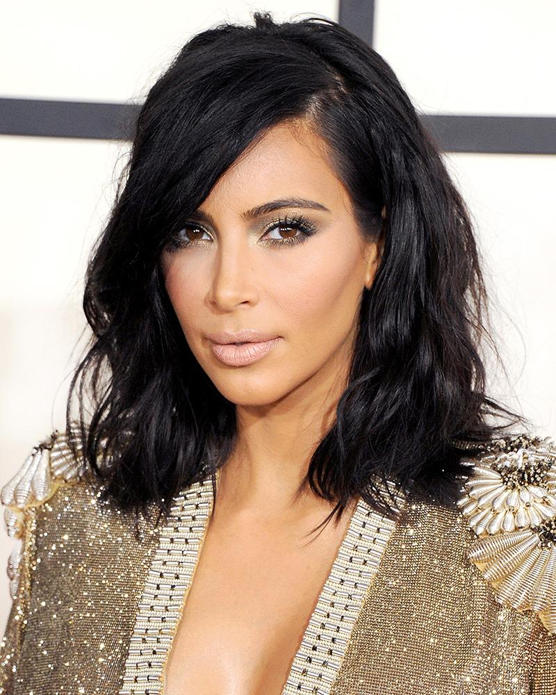 Kim Kardashian é fã e usa um tom mais rosado no seu make.