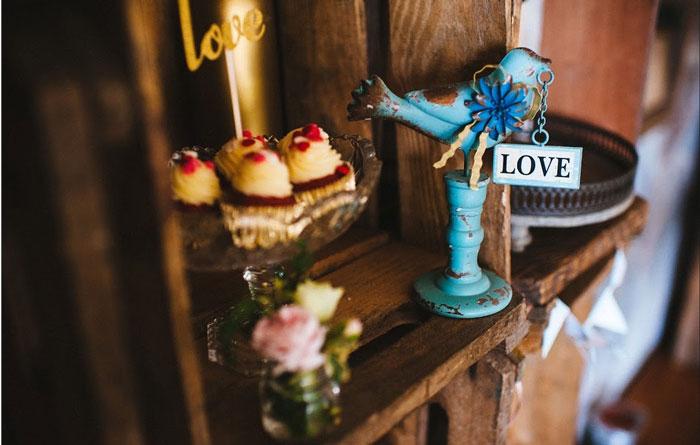 caixotes na decoração de casamento