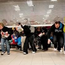 black-friday-shopping-620km111612-1363290612