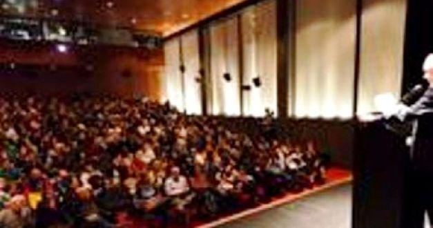 Vila-Matas en el teatro del Malba, Buenos Aires. Discurso inaugural del Filba.