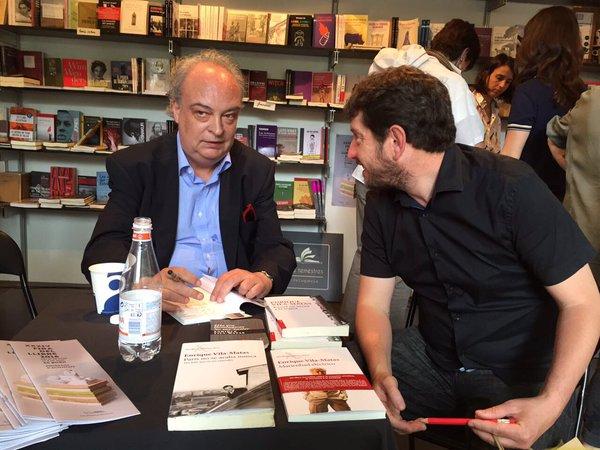 Animada charla con Albert Jarabo, líder de Podemos en Baleares.  (Fira del Llibre de Palma de Mallorca. 28.05.2016)