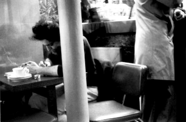 "Perec en ""plena tentativa"" en el Café de la Mairie (Plaza Saint-Sulpice]"