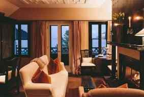 I do at Eichardt's Hotel