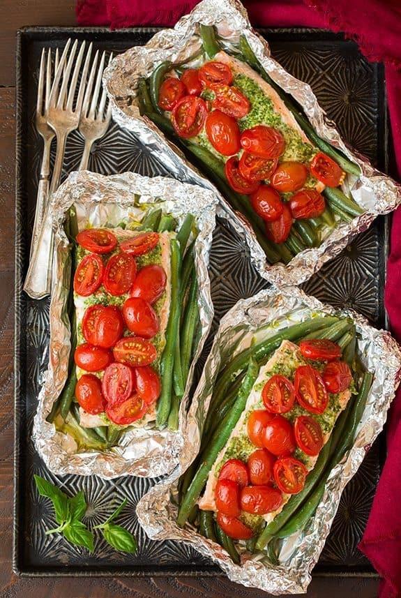 ... to cook salmon in tin foil | Pesto Salmon and Italian Veggies in Foil