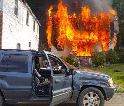 Nelson : Gladstone : Sunday Fire Totally Destroys Home - Seven People Displaced